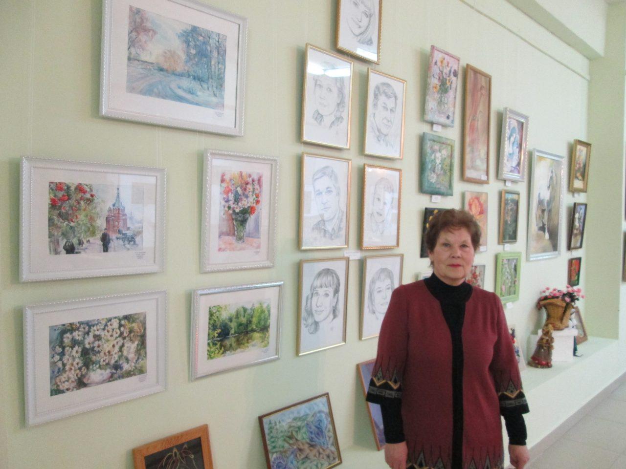 А. И. Трофимова на выставке произведений изобразительного искусства на приз главы городского округа Красноуфимск