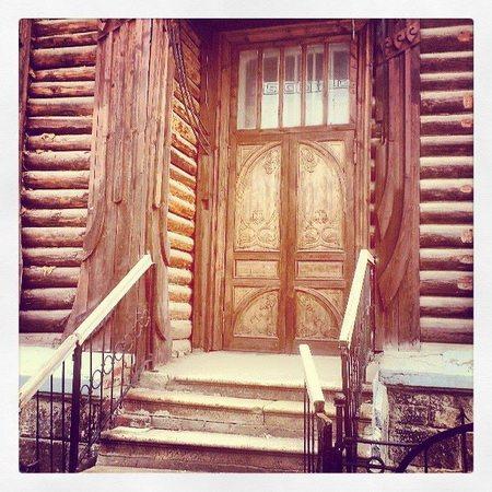 Деревянный модерн. И эту красоту хотят перенести в другое место – мешает строительству Екатеринбург-Сити