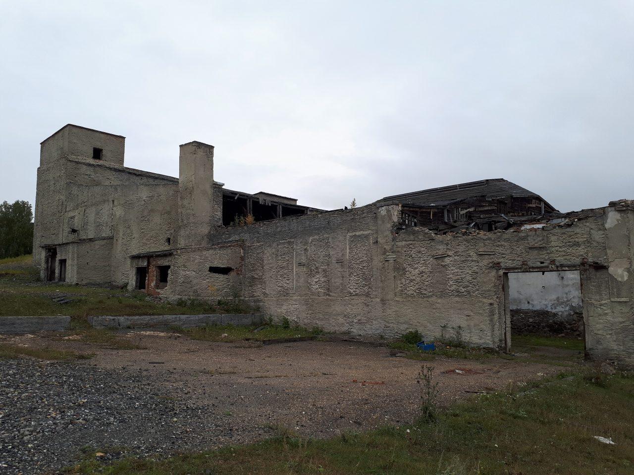 Село Миндяк: заброшенные шахты, карьеры и руины комбината