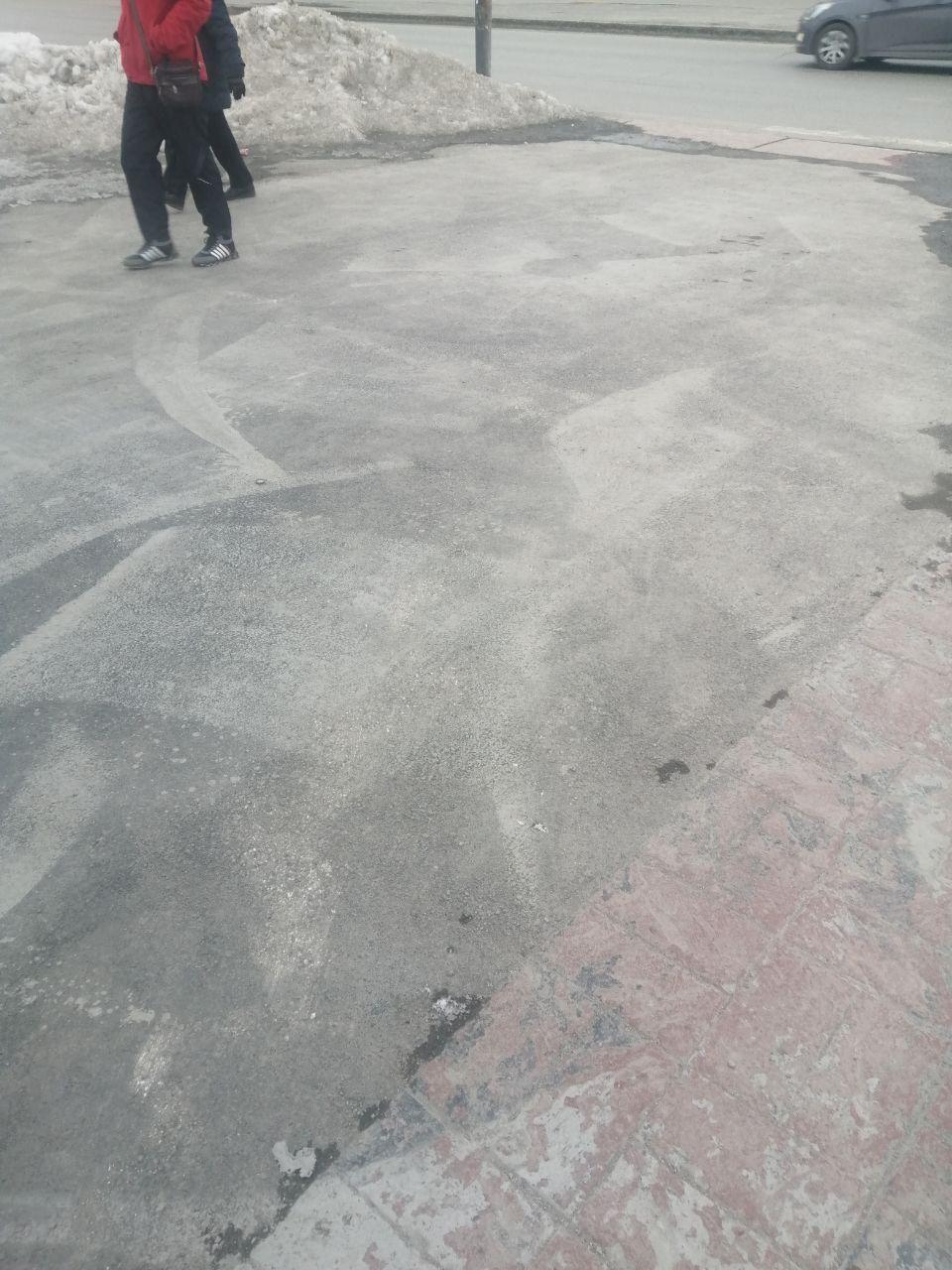 От «Супрематического креста» Покраса Лампаса в Екатеринбурге почти ничего не осталось