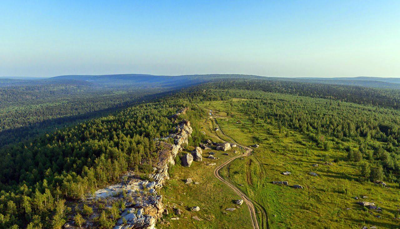 Гора Крестовая и хребет Рудянский Спой
