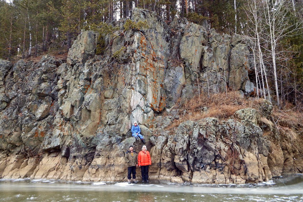 Карелинская писаница на реке Туре