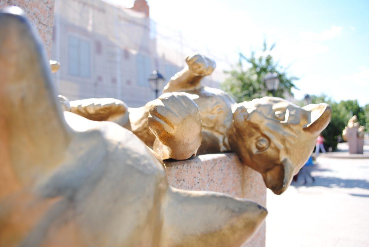 Сквер Сибирским кошкам, Тюмень, Великая Отечественная война, блокада Ленинграда, Эрмитаж, сибирские кошки, Сибирь