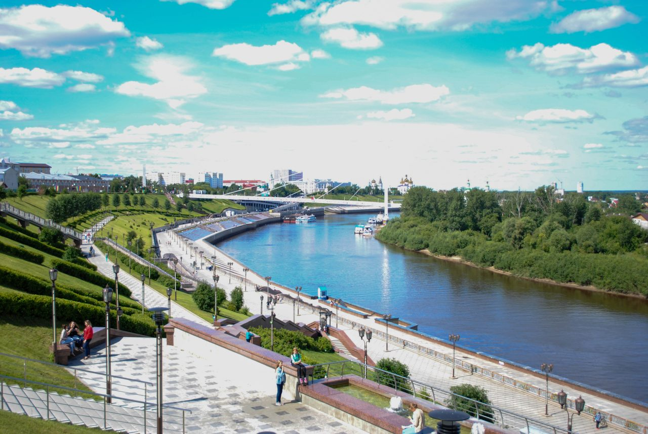 Цветной бульвар, Тюмень, Мост влюбленных, золотой пони, городской парк культуры и отдыха, с детьми