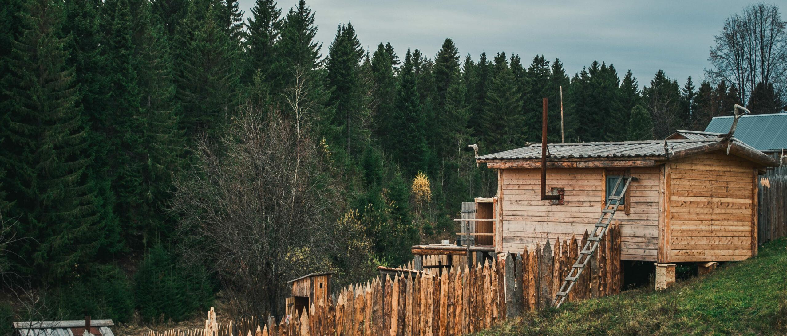 Майкор – здесь есть страна внутри села и нет бобров