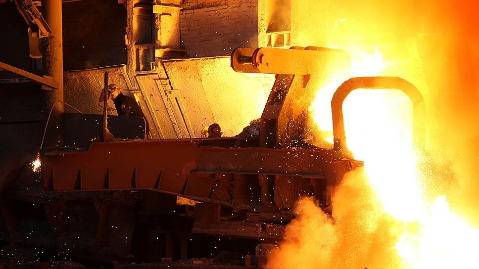 Памятник металлургам (Сталевар) в Белорецке