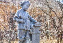 Статуя маленького Володи Ульянова Ленина, Нижний Тагил