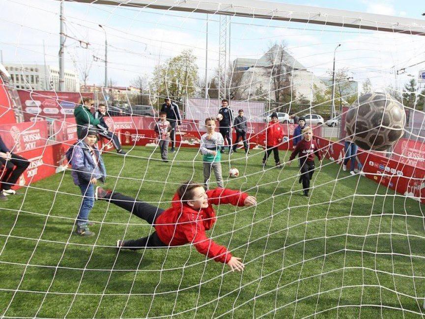 Передвижной парк чемпионата мира по футболу приедет в Екатеринбург