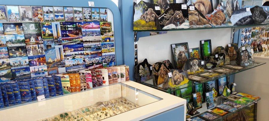Где и какие сувениры и уральские подарки можно купить в Екатеринбурге?