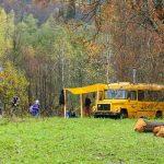 Автобус около деревни Бриштамак