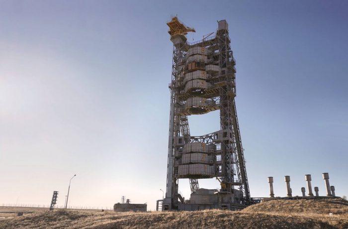 """Обслуживающая конструкция для мощной ракеты """"Протон"""""""