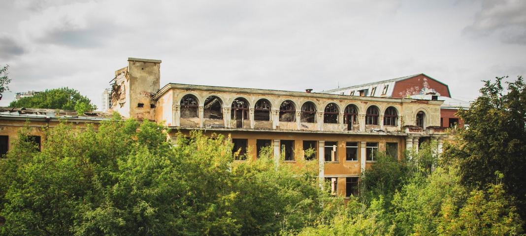 Зеленая Роща: Заброшенная больница скорой медицинской помощи №1 в Екатеринбурге