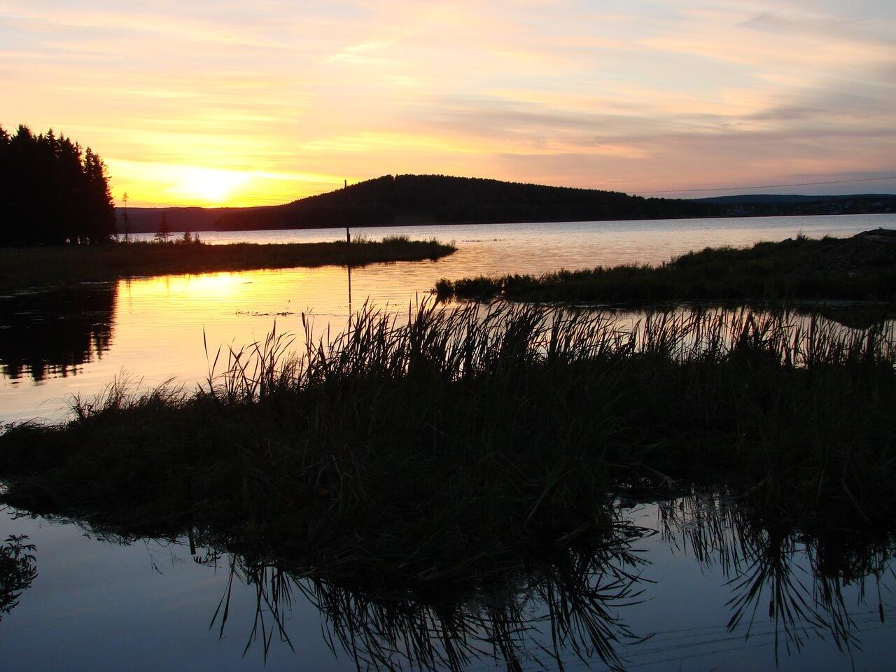 Закат на Черноисточинском пруду