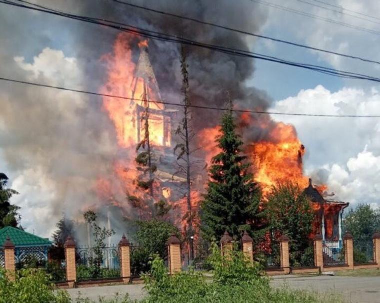 «Зауральский Нотр-Дам»: в Чимеево сгорела «чудотворная» икона Божьей Матери