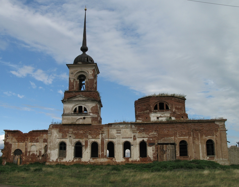 Заброшенная церковь в селе Огневское (Огнёво)