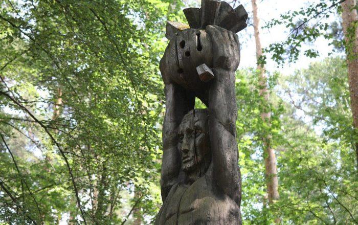 derevyannye-idoly-ekaterinburga39