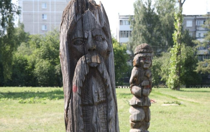 derevyannye-idoly-ekaterinburga75