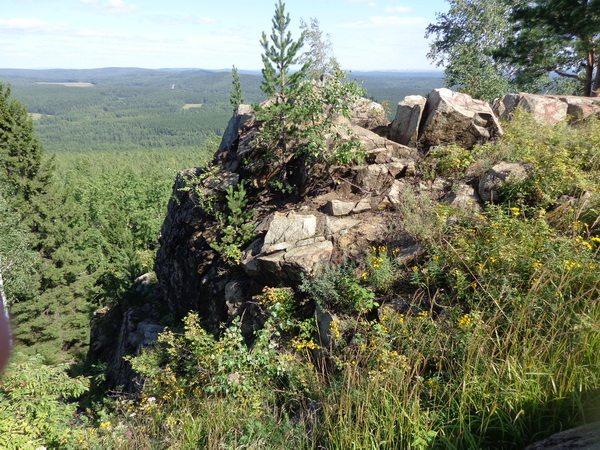 Скалы на вершине Липовой