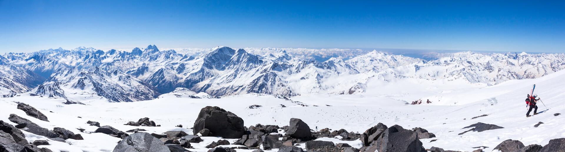 Кавказский хребет со скал Пастухова