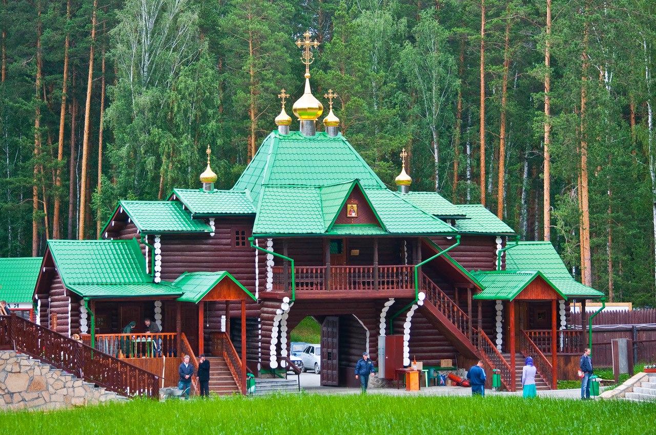 Надвратный храм в честь Иверской иконы Божьей Матери, Ганина Яма, Екатеринбург, Свердловская область