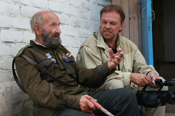 А. Головнев и казак Василий Голиков, Южный Урал, 2001 год.