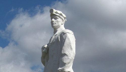 На свидание к «Шахтеру». История памятника в городе Гае