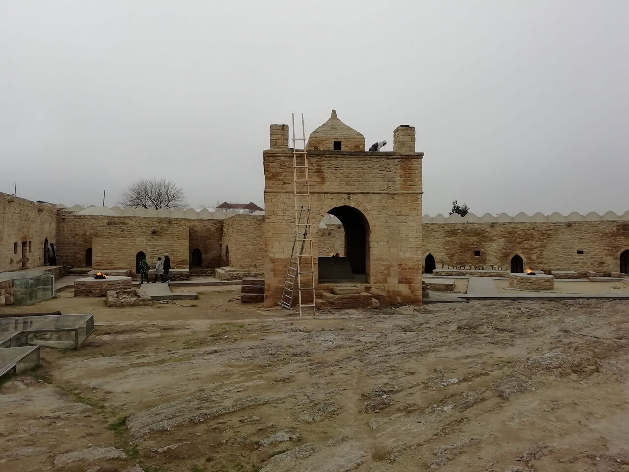 Атешгях или Храм огня