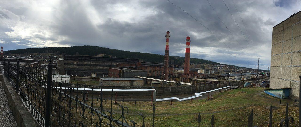 Вид от Храма на завод.