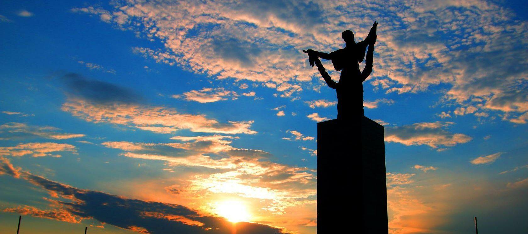 Оренбургская область, Кувандык, малые города, Холм Славы, Великая Отечественная война, Великая Победа