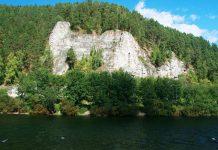 Камень Ермак на реке Сылве