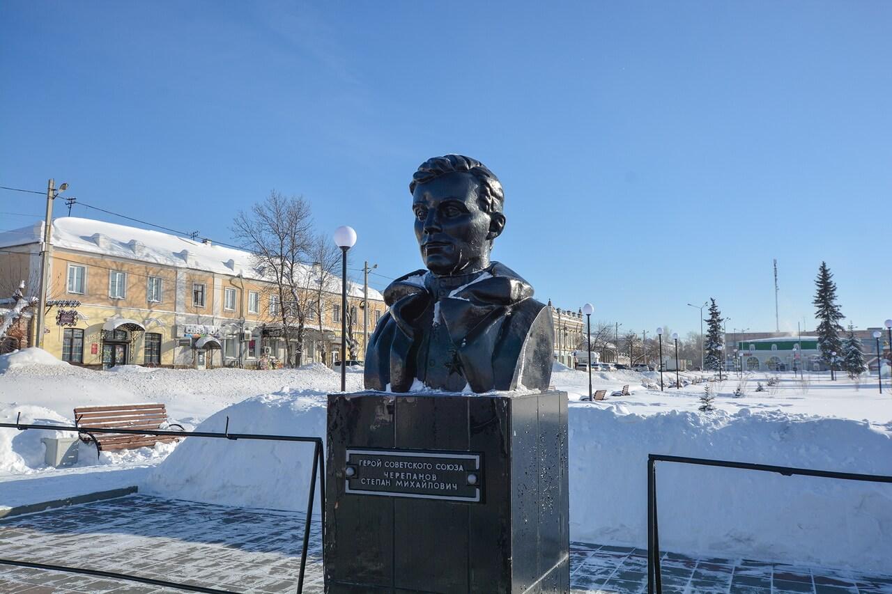 Бюст Степана Черепанова, Камышлов, Свердловская область