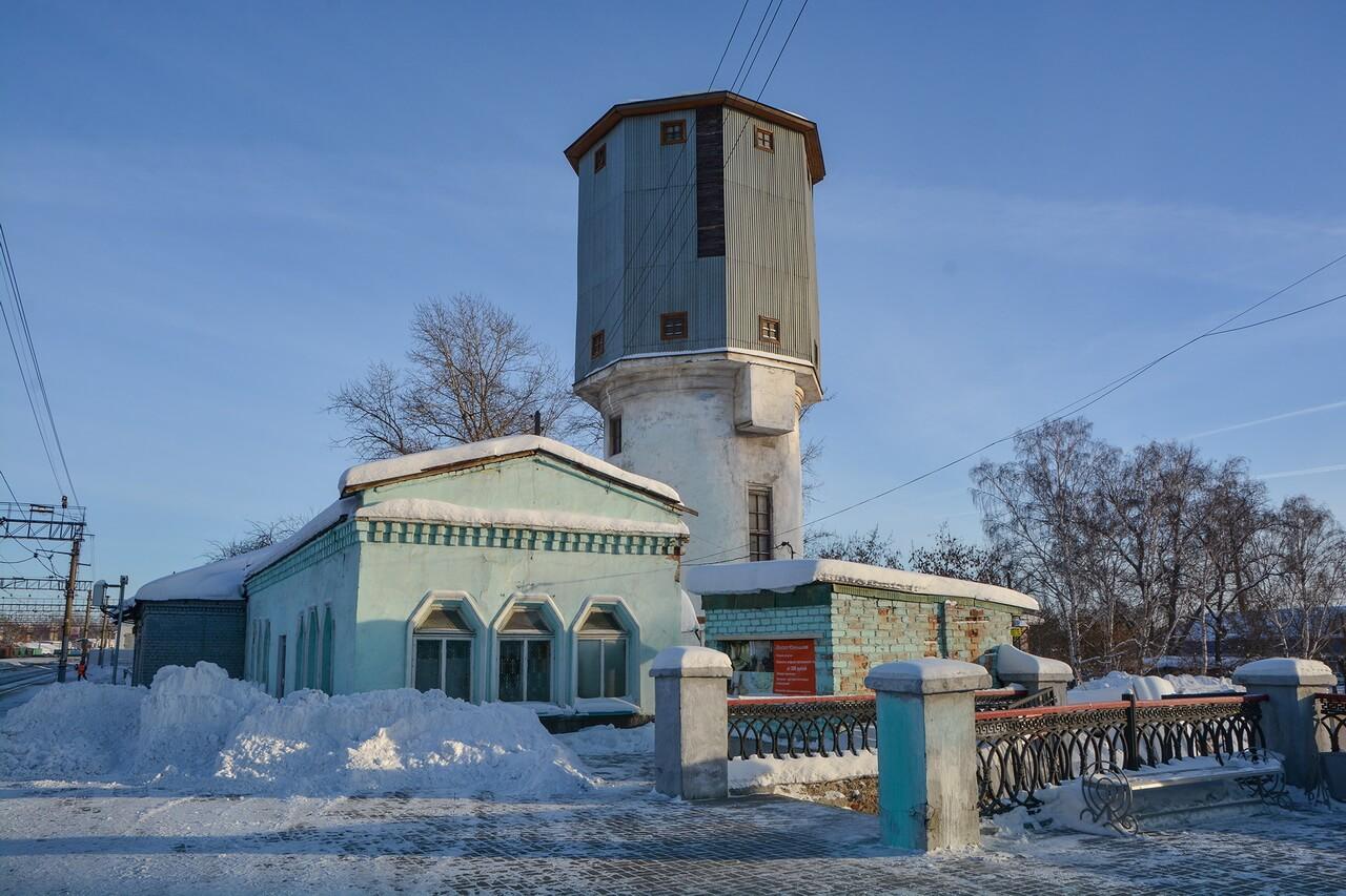 Водонапорная башня и здание депо, Камышлов, Свердловская область
