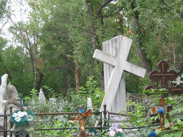 Надгробие на могиле купца Князева