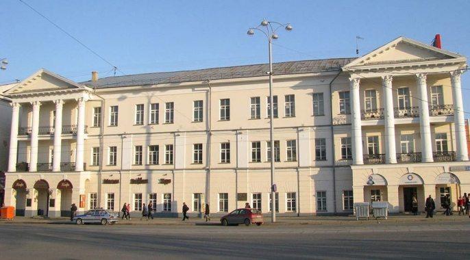 Третий этаж здания консерватории пристроили спустя 100 лет после возведения дома. Источник фотографии: windoworld.ru
