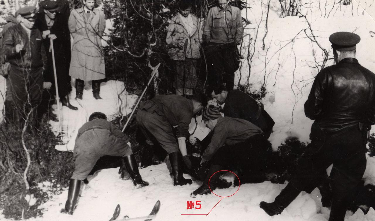 Фото Мохова с неизвестным в «черной рукавице»