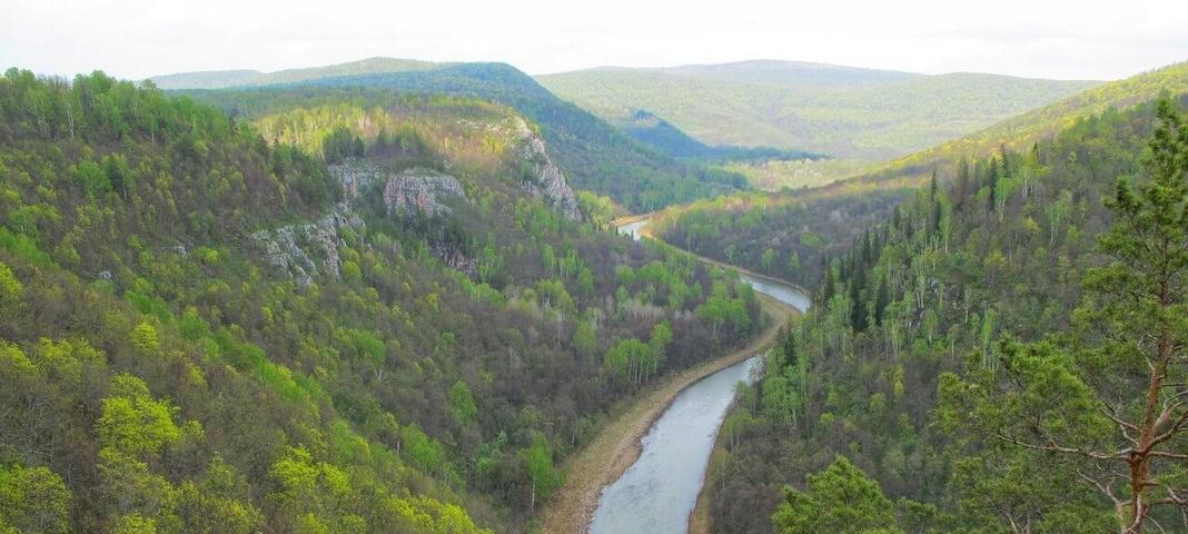 Карстовый мост и водопад «Куперля»