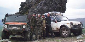 ЛуАЗ и Нива покорили перевал Дятлова