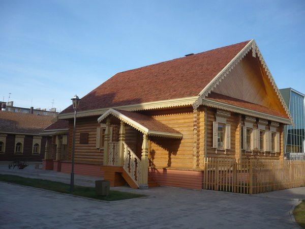 Национальная деревня, русская изба
