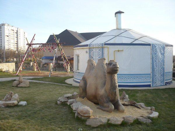 Национальная деревня, казахское подворье
