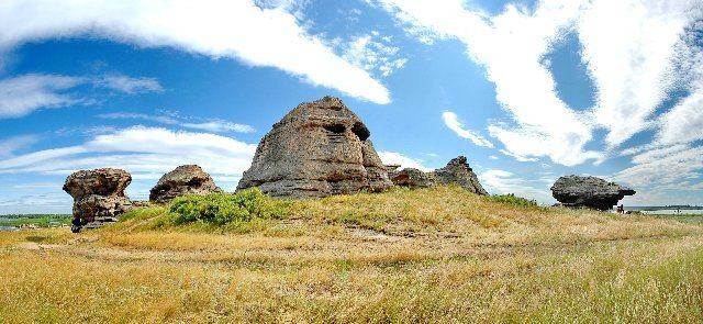 В этом месте находился алтарь более 7 тыс. лет назад. (озеро Большие Аллаки)