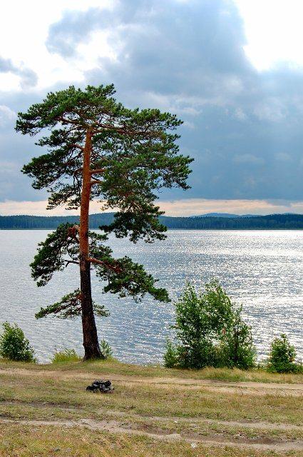 Анбаш. Озеро на въезде в город Кыштым.