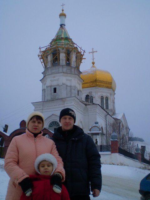 Церковь в Сыростане.