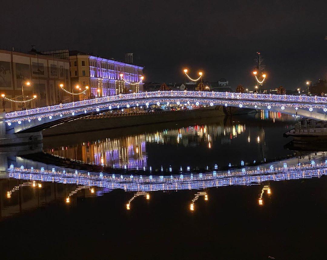 Ещё не поздно, приезжайте и посмотрите своими глазами, как прекрасна наша Москва.