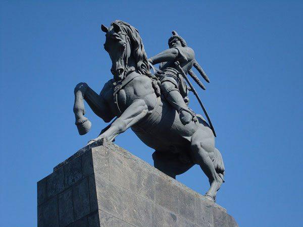 Где находится памятник салавату юлаеву в уфе размеры памятников из гранита Римская