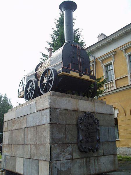 Памятник паровозу Черепановых в Нижнем Тагиле. Автор фотографии: Hardscarf