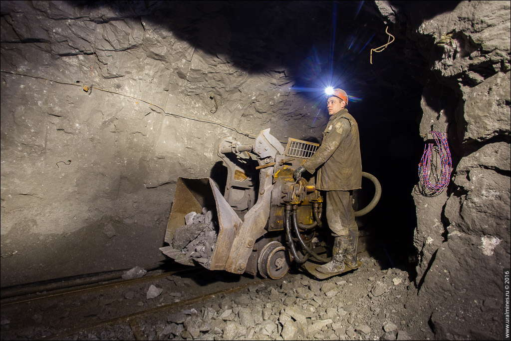чемпион сказал, шахты в ахангаране фото находится
