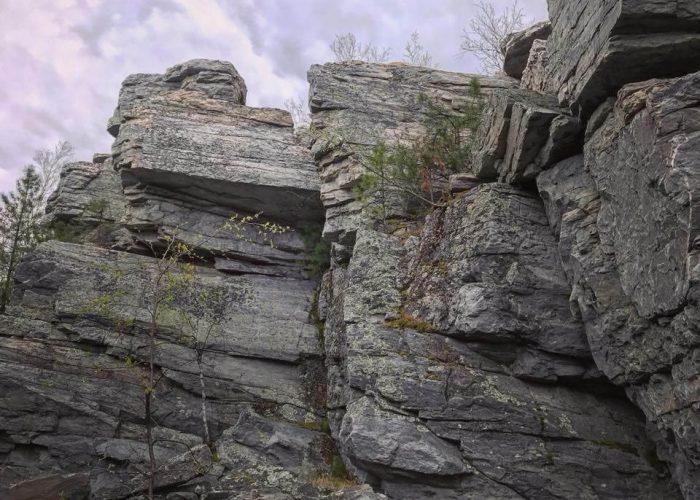 Хребет Синие горы: скала Кораблик