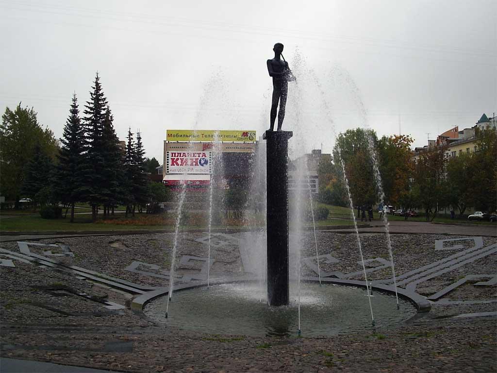 Памятник «Все продай, купи курай» в Уфе