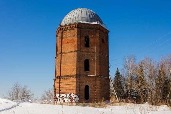Старая водонапорная башня в Уфе