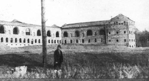 Недостроенное здание Уральского горного института